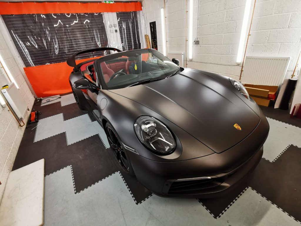 Porsche changes from gloss to matt