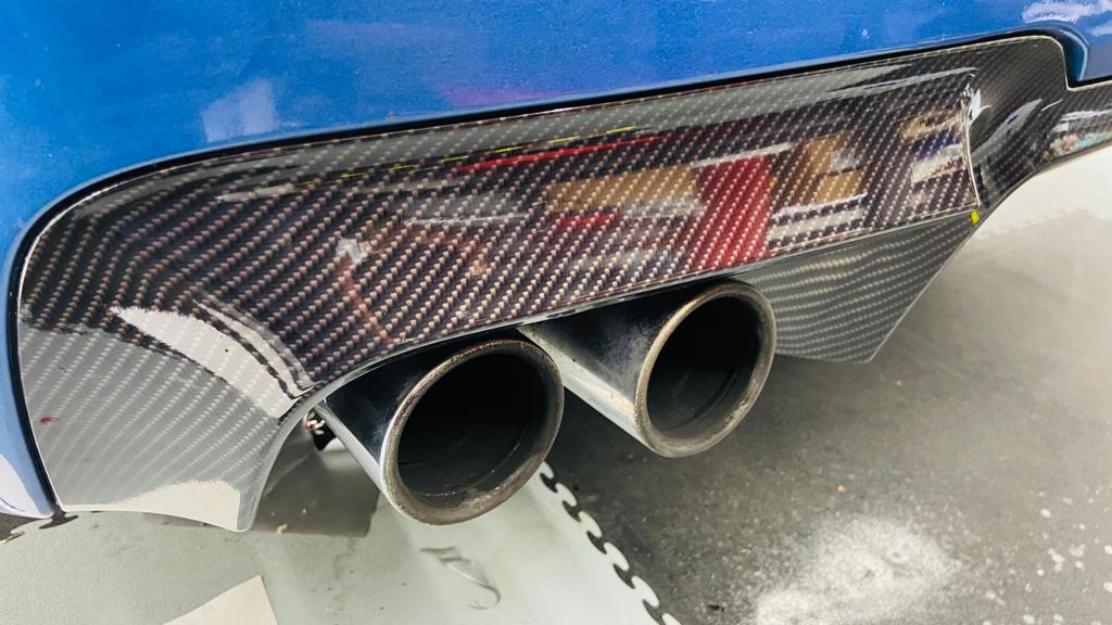 BMW Carbon Custom 1